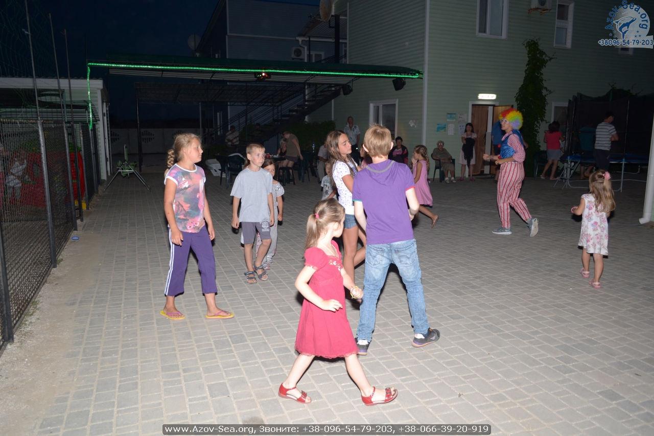 Аниматор. Азовское море. Дети.