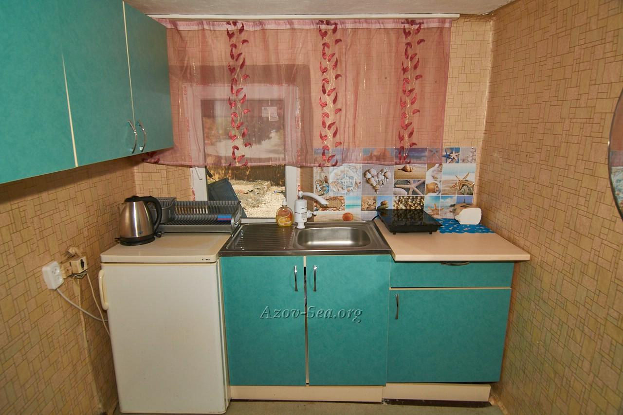 Гостевой дом ДНЕПР. Степановка Первая. Отдельный домик. Кухонная стенка.