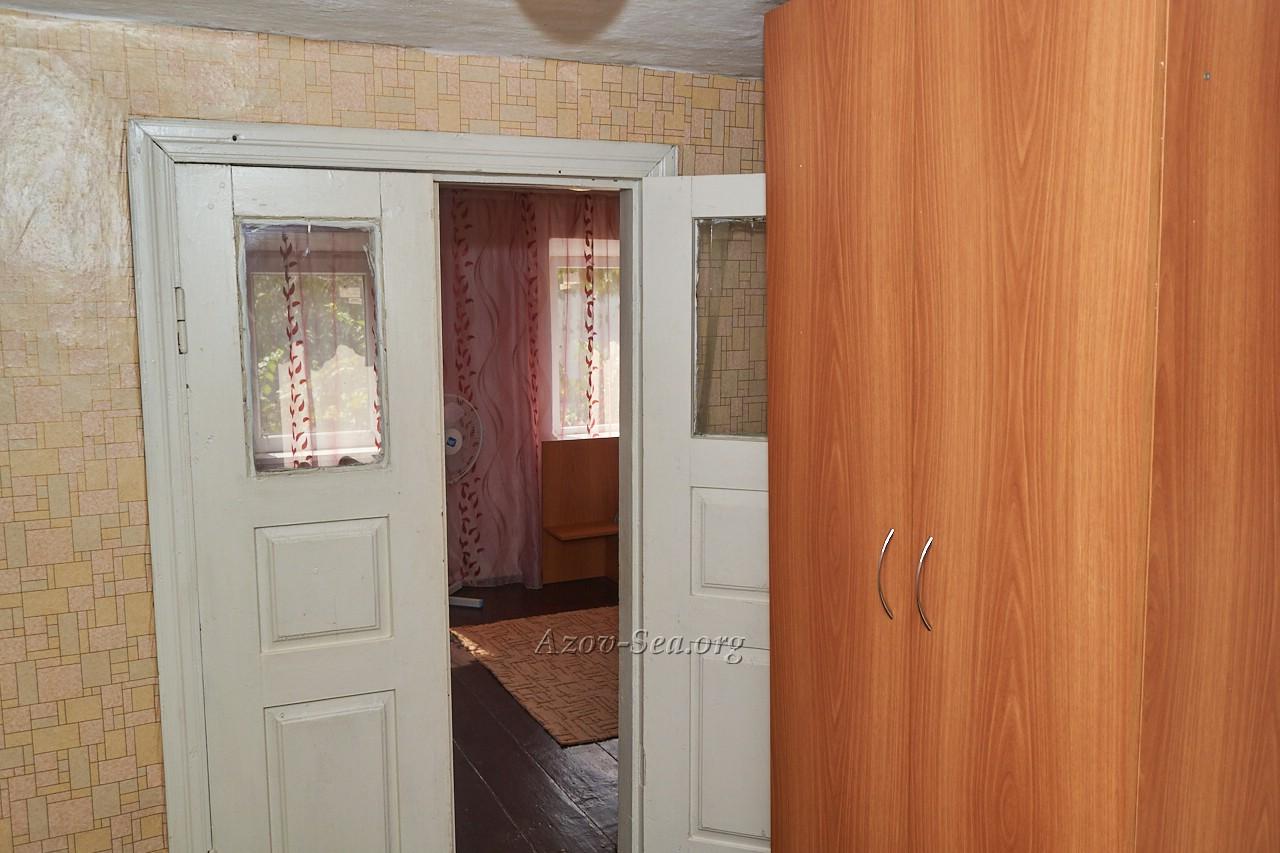 Входная дверь.Гостевой дом ДНЕПР. Степановка Первая. Отдельный домик.