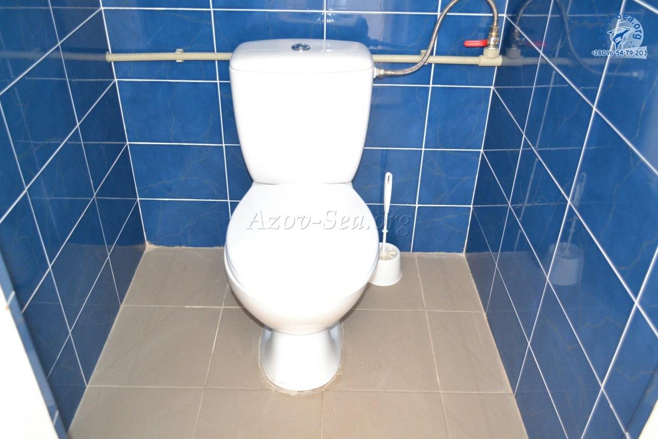 Туалет и душ. База отдыха Тихая Пристань. Степановка Первая.