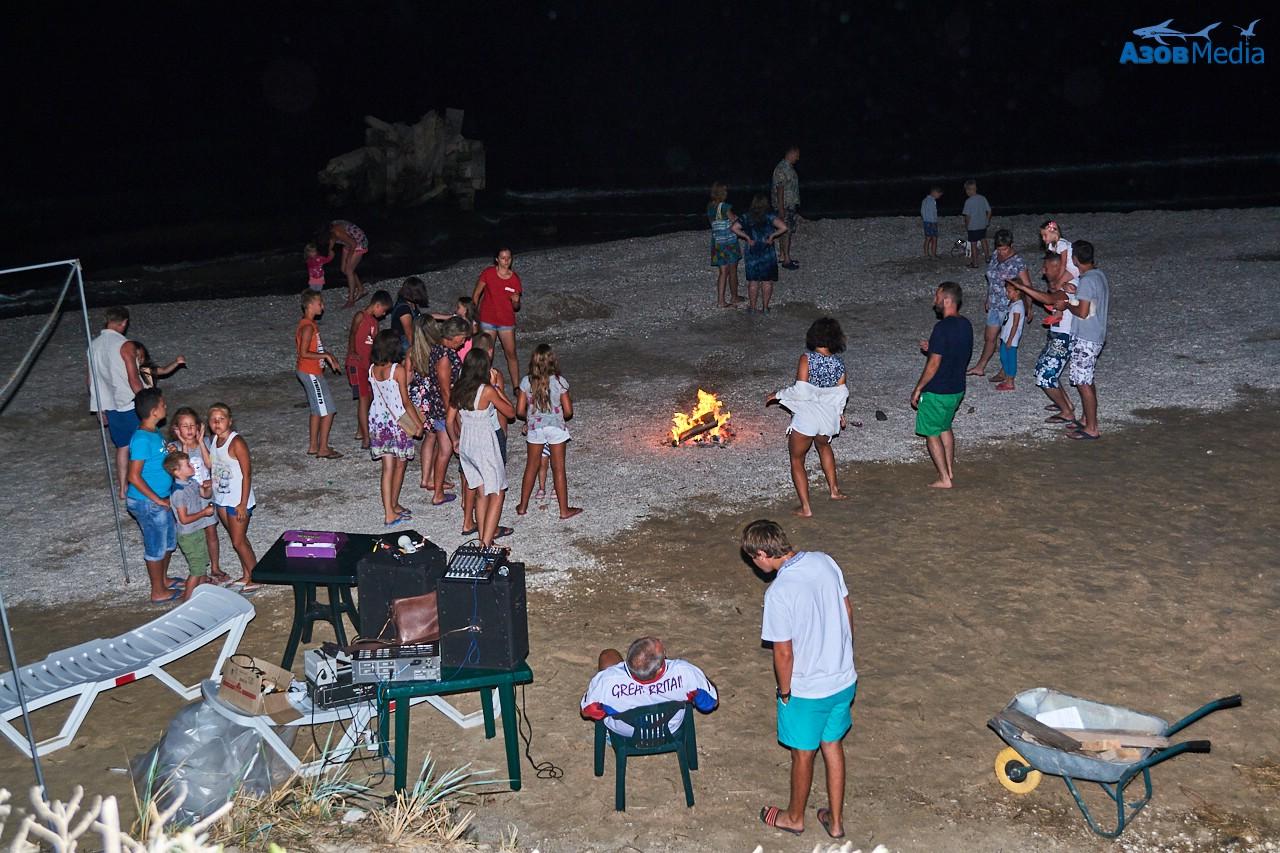 Дискотека на пляже у костра. Пансионат Степановка Семейный.