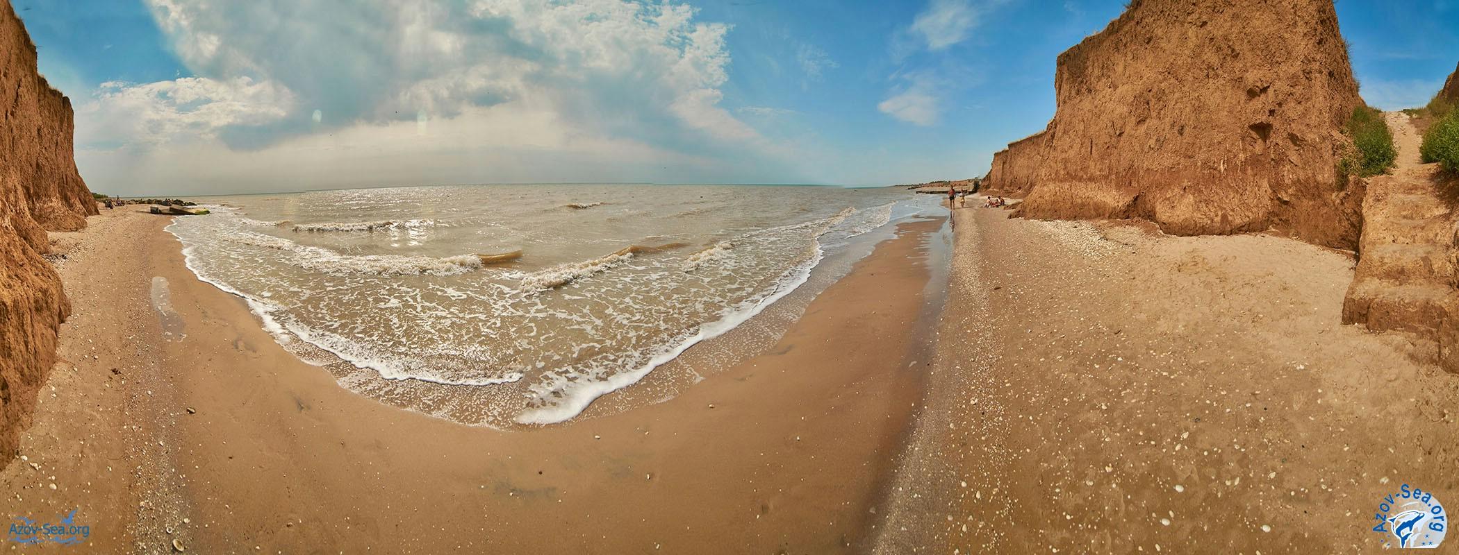Панорама пляжа. Гостевой дом ДНЕПР. Степановка Первая. Отдых на Азовском море.