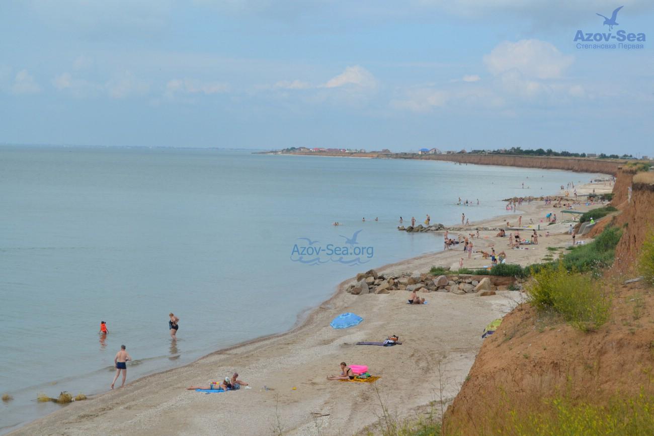 Степановка Первая - Центральный пляж - Вид сверху. Азовское море.